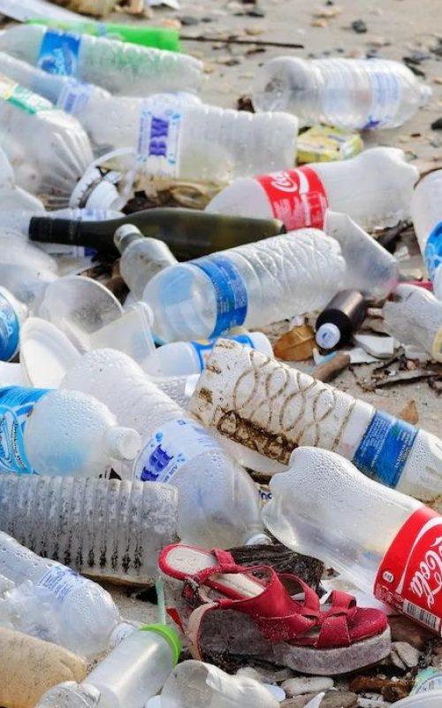 plastique-dechets-recyclage-tonnes-environnement-pollution-bouteille-compressor
